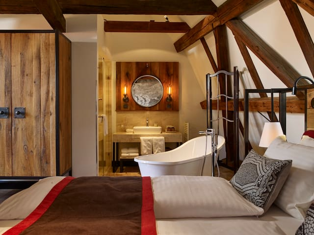 PEST-BUDA Design Hotel ATELIER SUITE @ Buda Castle