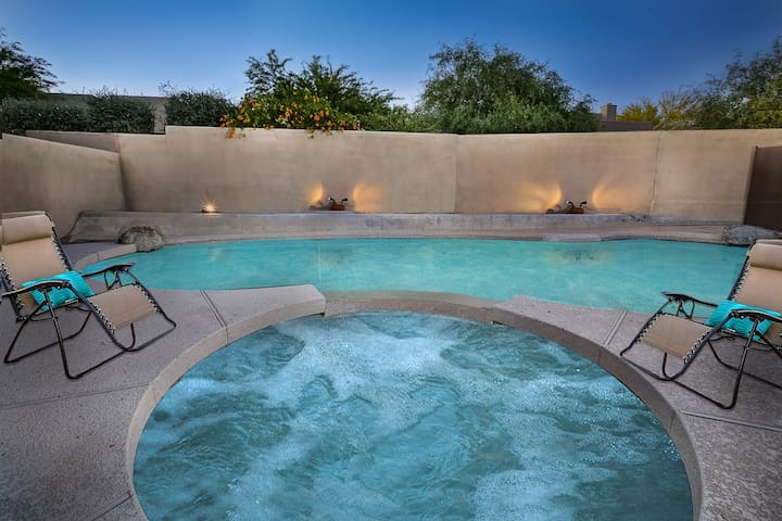 Troon North- Home with large outdoor area, heated pool, and spa in Troon!