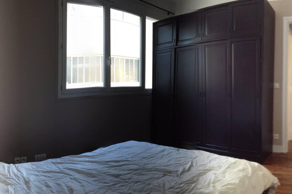 Chambre de 14m2 avec lit double