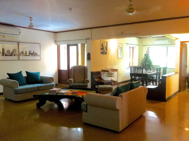 Central, Chic & Calm Near 5★ Resort - North Goa - Byt
