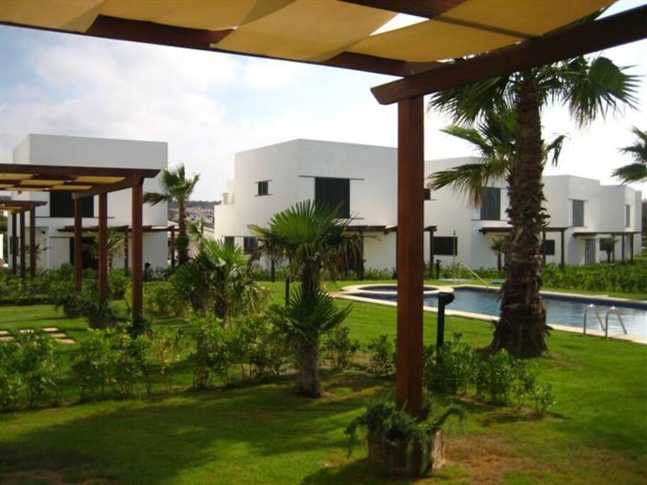 Villa in a very peaceful area ville in affitto a arenal for Piani di casa per i lotti di vista posteriore