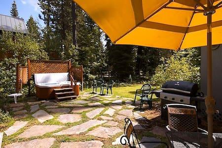 Tahoe Park Cottage-1+ bed - HOT TUB - Tahoe City - Rumah