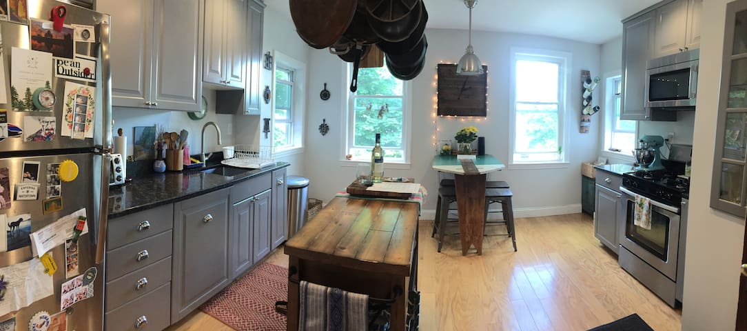 Large kitchen made for entertaining!