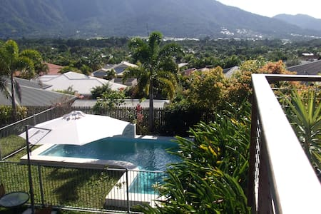 Resort-like stay in perfect Cairns!