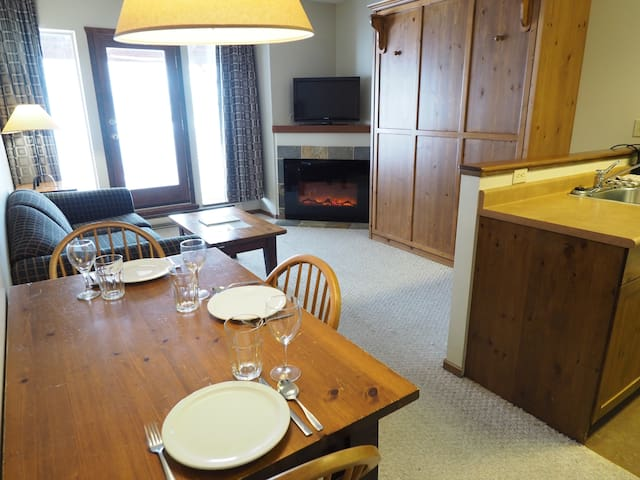 Ground floor corner suite, ski in/ski out with hot tubs