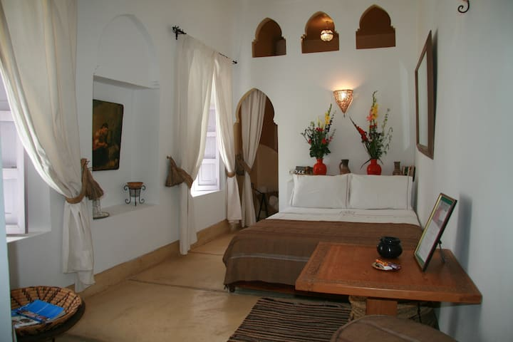 Riad in the medina 5 rooms