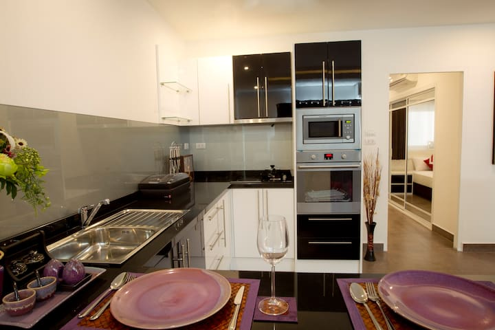 Spacious, Business class, 1 bedroom apartments