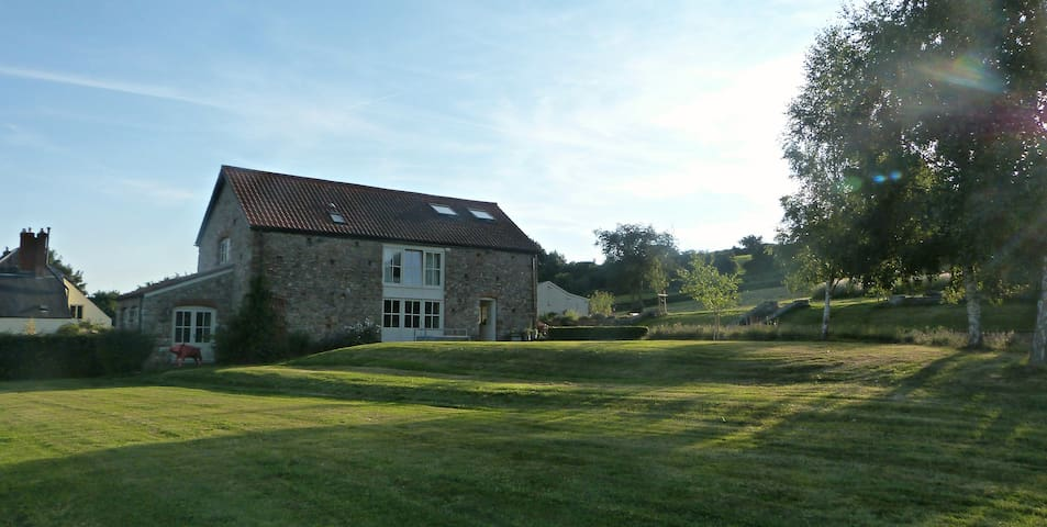 Boutique Family Retreat, Epic Panaromic Views - Tidenham