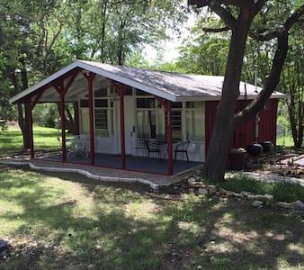 Red Cottage on Bentwood - Pottsboro