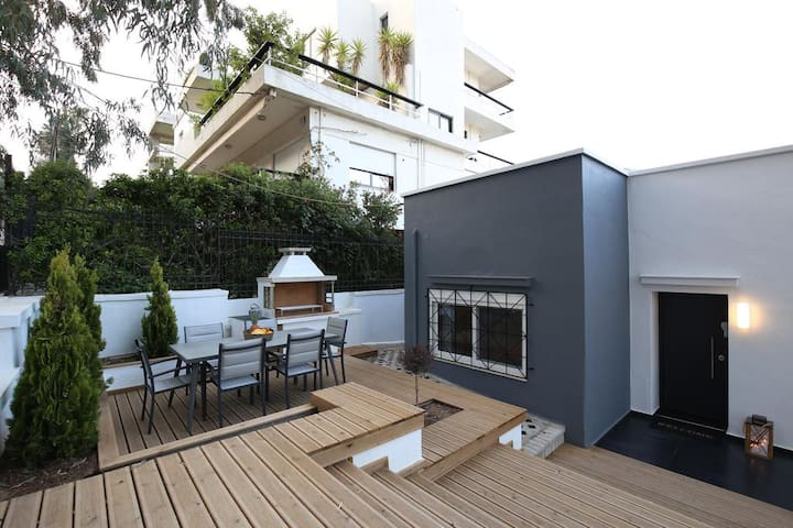 Afroditis Private Residence 90m2 in Athens