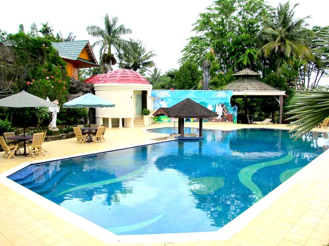 A home away from home. 3 Bedrooms Family Bungalow