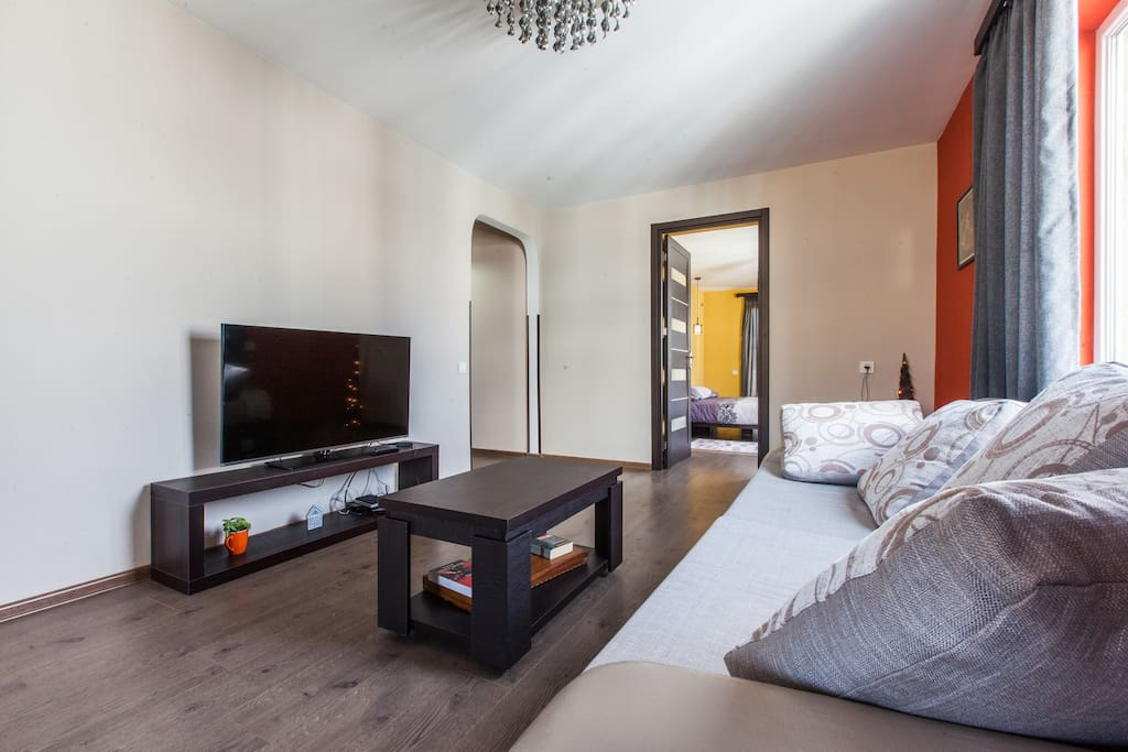 Modern flat with a view on a garden appartements louer for Canape tbilisi