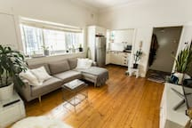 A+ location, 100m Bondi Beach & cafes, Entire Apt