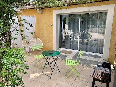 Studio indépendant proximité Pont Du Gard