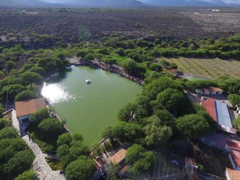 Pecan Ranch with private lake, minigolf and bike path