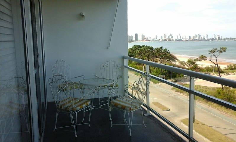 Apartment near the beach (rambla)