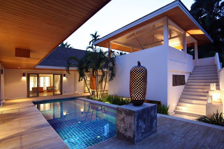 Beautiful  Villa near Naiharn Beach