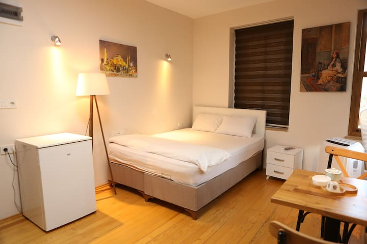 Diamond Contel In Heart of Taksim 104