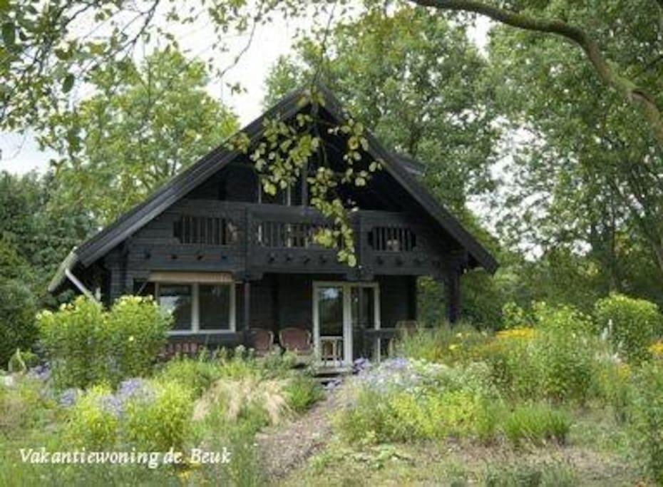 Rustig gelegen chalet chalets te huur in vierhouten for Te huur in gelderland