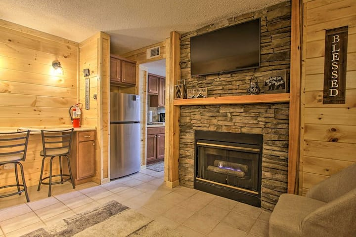 Beautiful Mountain views in Newly Renovated Condo