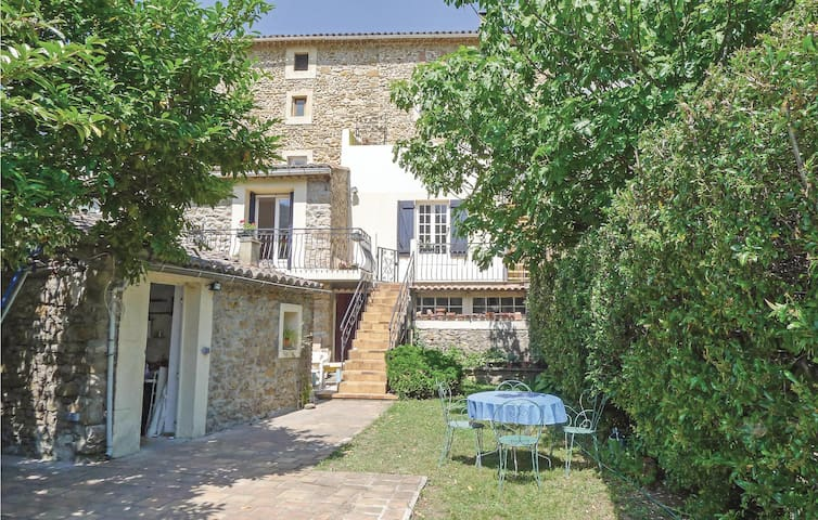 Holiday apartment with 3 bedrooms on 100 m² in St Florent s. Auzonnet