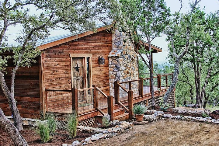Luxury Cabins @ Stony Ridge- Emerald Cabin