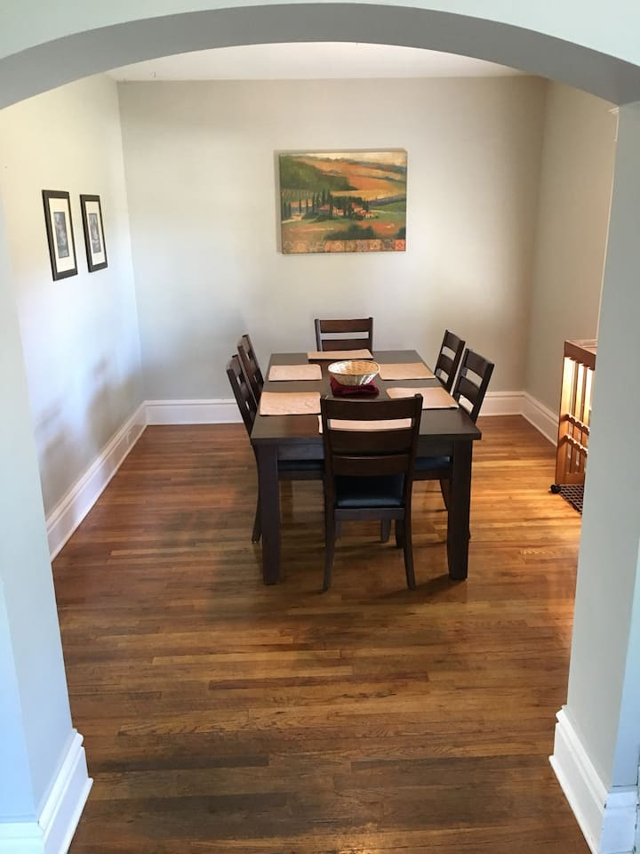 Lovely 3 bedroom minutes from downtown GR