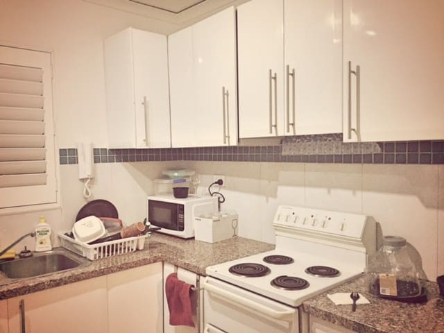 Fully furnished 2 bedroom apartment, 24hrs access