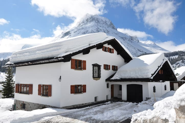 Privates komfortables Ferienhaus mit Stil in Lech - Lech - House