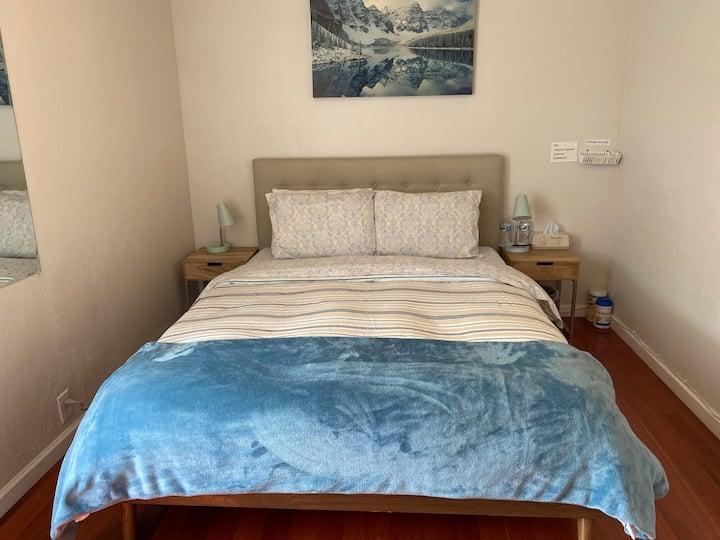 Cozy top floor bedroom #1 overseeing San Bruno