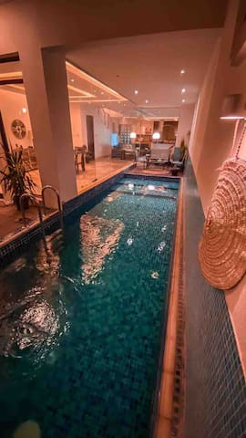 Stunning townhouse with a private pool