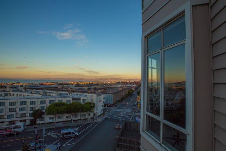 Stunning Views in Russian Hill! - San Francisco - Appartement en résidence