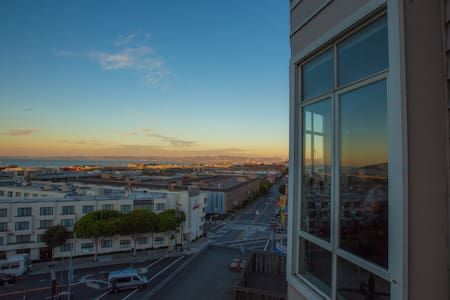 Stunning Views in Russian Hill!