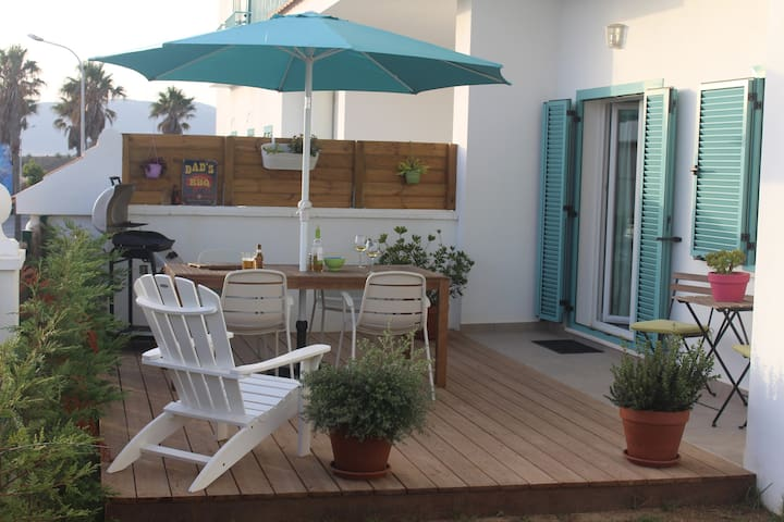 Apartment with private, wind sheltered garden