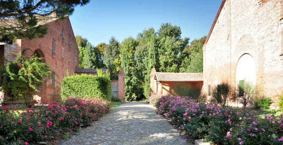 Country Villas in historic hamlet near Venice