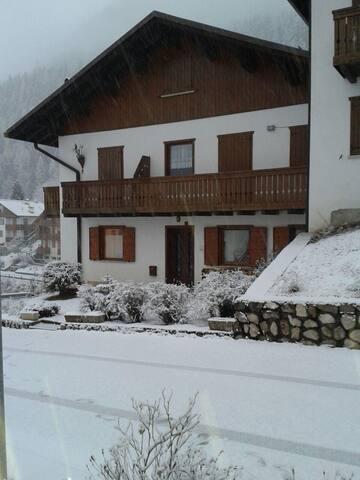 Soleggiato appartamento nel cuore delle Dolomiti