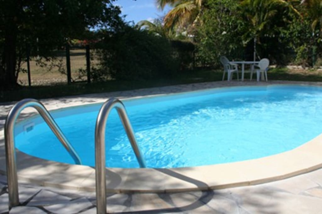Villa tropicale coco avec piscine houses for rent in - Piscine saint francois nice ...