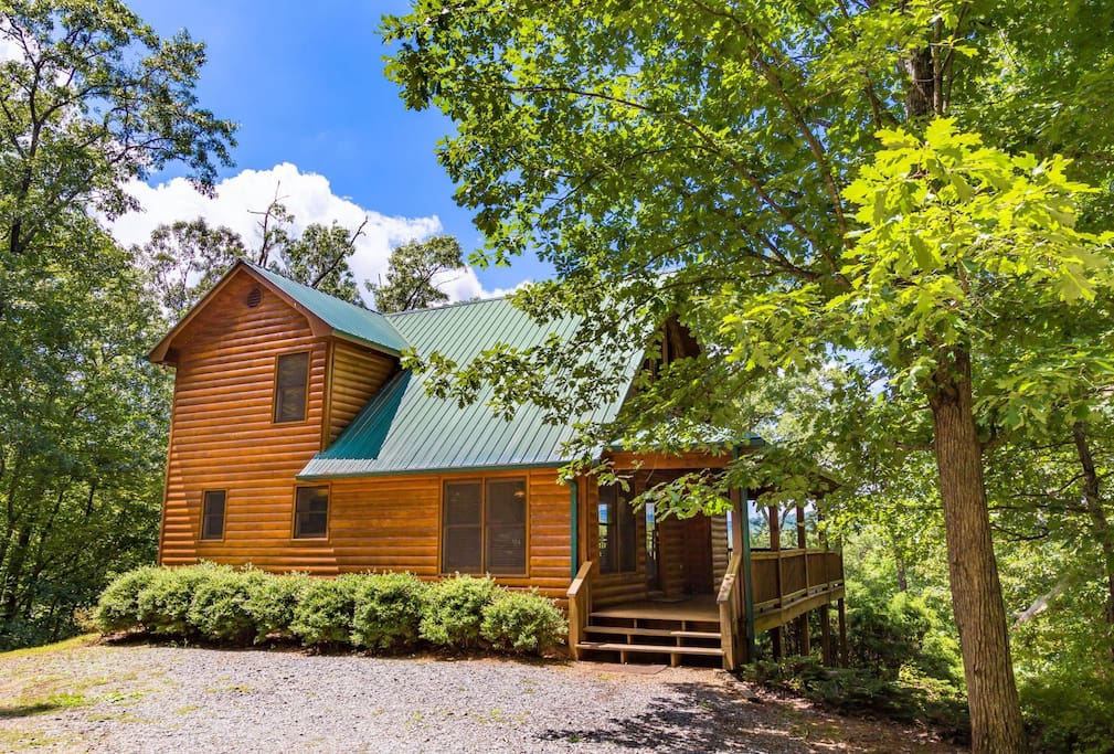 Mountain breeze cabins for rent in blue ridge georgia for Blue ridge ga cabins for rent