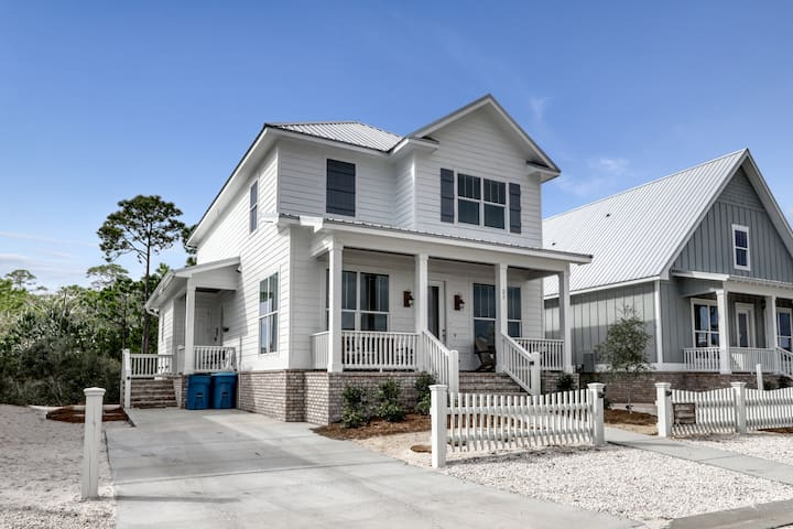 Elegant, newly built home w/ patio, shared pool & deeded beach access!