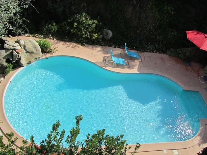 mini villa 21 m2 pour 2 + bébé clim piscine