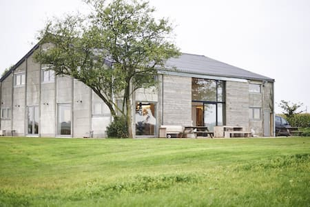 Huge holiday house for large groups - Heuvelland - Haus