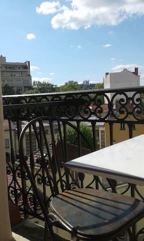 Bel appartement Lyonnais de 70m2 - Lyon - Apartment