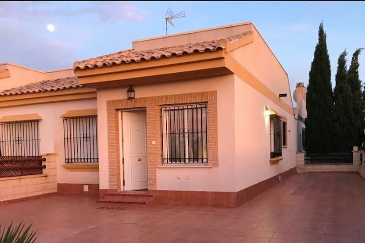 Villa with private pool and sunny roof terrace