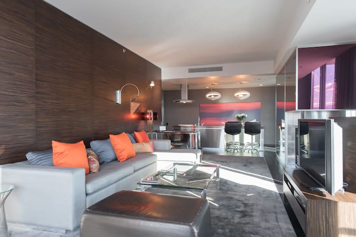 LUXURY KING SUITE - 2 BALCONIES - CORNER UNIT - Las Vegas - Villa