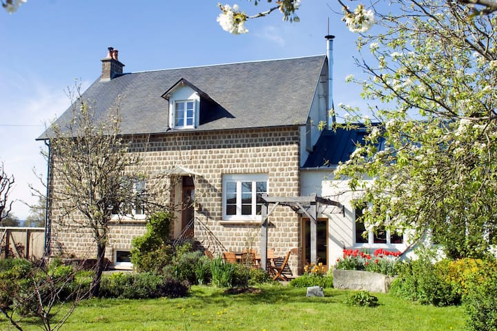 La Neslière B&B, 4 person room, organic meals - Saint-Symphorien-des-Monts