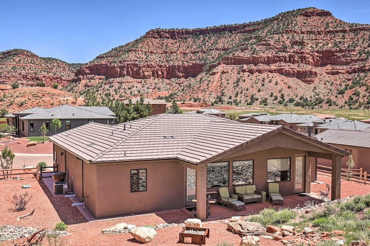 Kanab Home w/Resort Amenities - Drive to Zion!