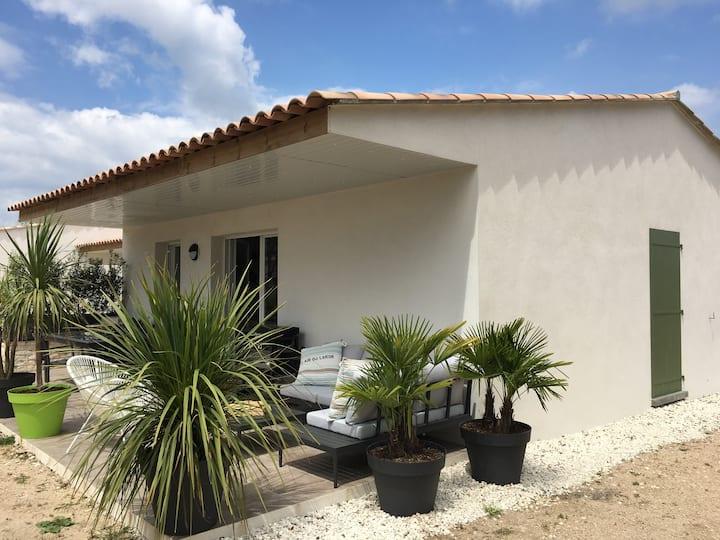Charmante villa T4 clim, 6 pers, piscine chauffée