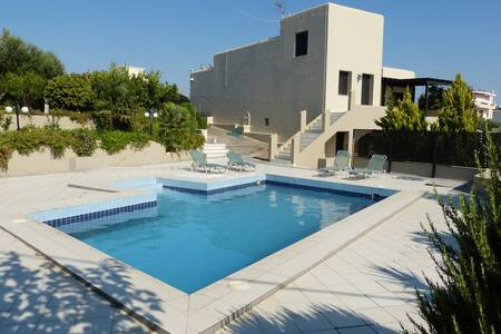 KNOSOS SECLUDED  4**** FAMILY VILLA - Skalani