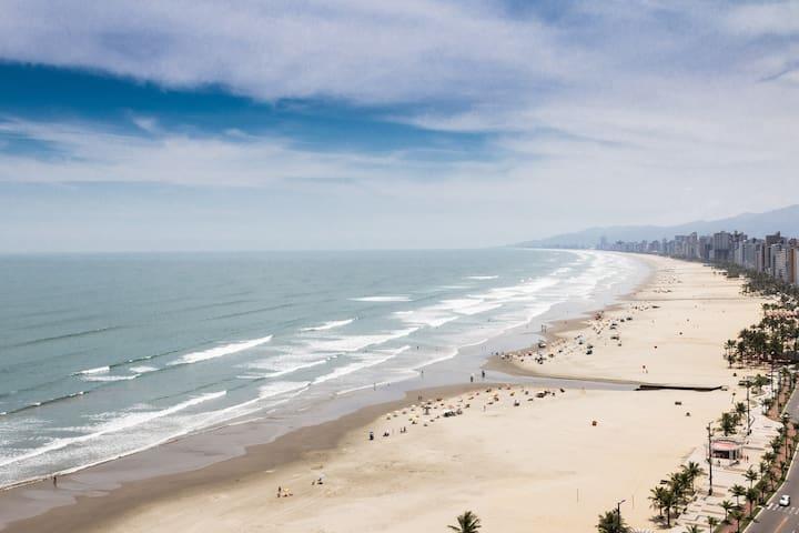 Seafront apt. Praia Grande + Wi-Fi - Praia Grande