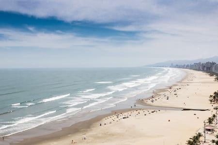 Apê Praia Grande frente ao mar + Wi-Fi - Praia Grande